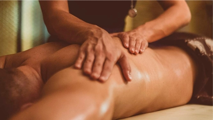 массаж спины и рук